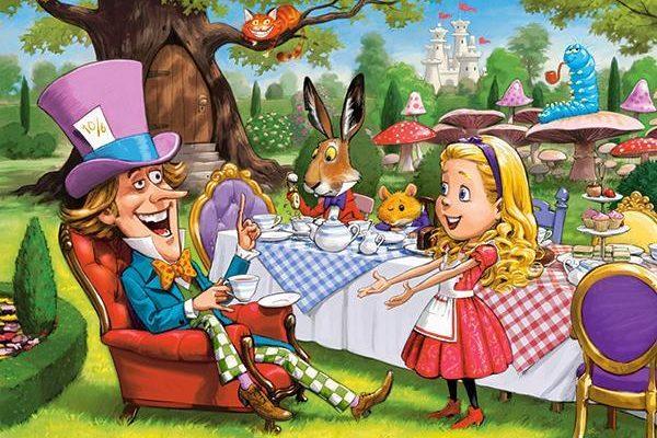 """""""Алиса в Зазеркалье"""" краткое содержание на английском"""